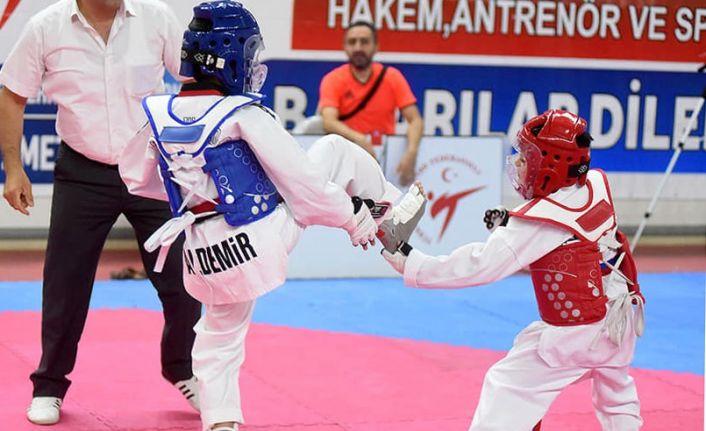 Sivas'ta yapılan Taekwondo Şampiyonası sona erdi