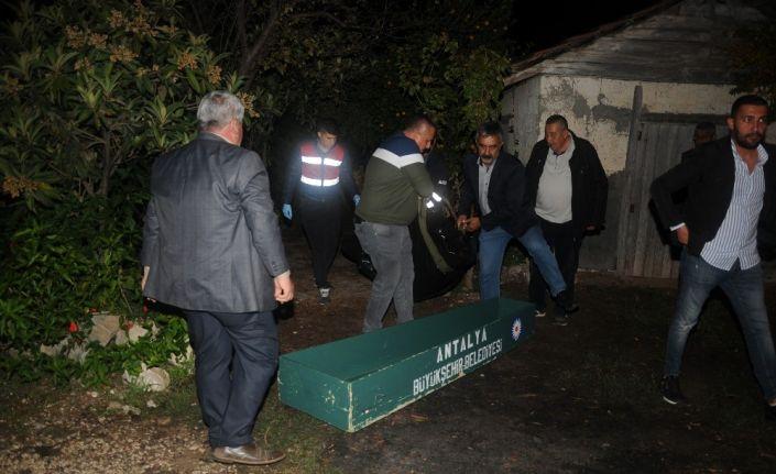 Antalya'da  kadın cinayeti: 1 ölü, 2 yaralı