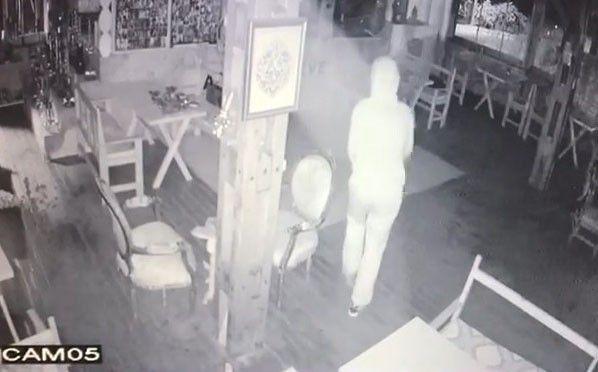 İş yerine giren hırsız çaldığı bozuk paralarla yakalandı