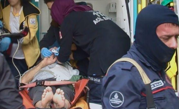 'Öldü' diye ihbar edilen yaşlı adam felç geçirmiş halde bulundu