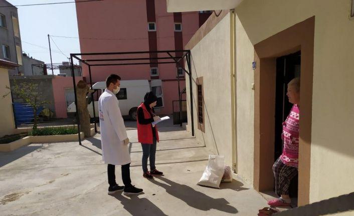 """Mersin'de yaşlıların ihtiyaçlarını """"Vefa Sosyal Destek Grubu"""" karşılıyor"""
