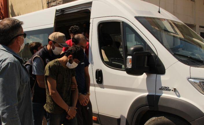 Gözaltına alınan 7 DEAŞ şüphelisinden 4'ü tutuklandı