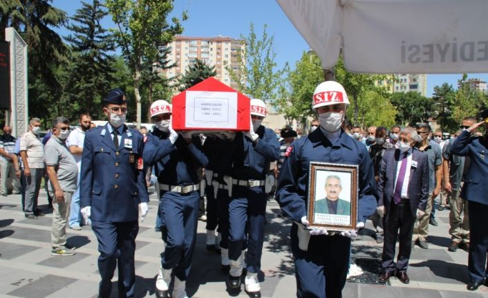 İçtiği hap nefes borusuna kaçan Kıbrıs gazisi hayatını kaybetti