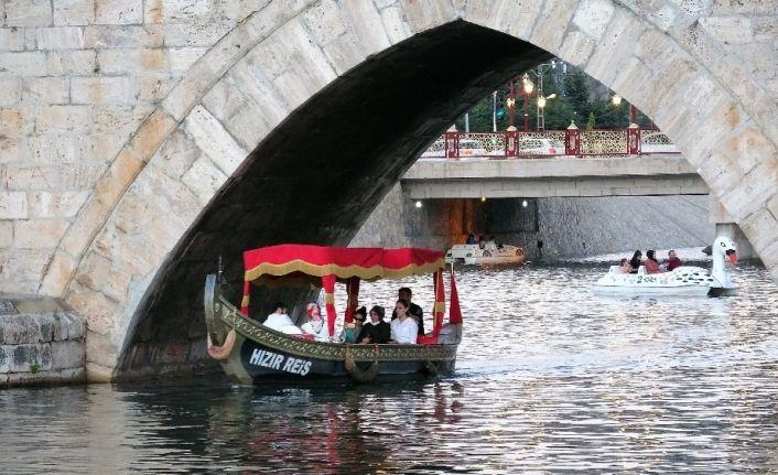 Kanal Tokat'ta bayram yoğunluğu