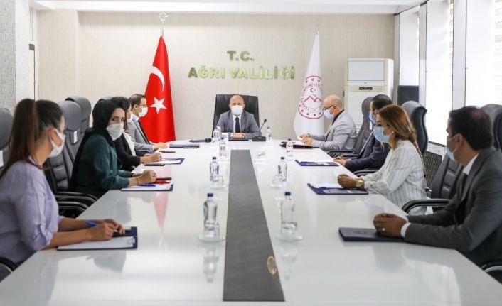 Vali Varol, AÇSH Müdürlüğü'nün yürüttüğü projelerinin değerlendirildiği çalışma grubu toplantısına katıldı