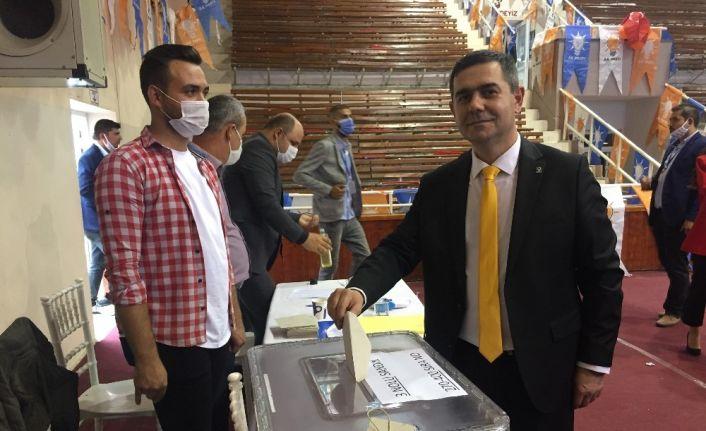 AK Parti Keşan İlçe Başkanı Gürcan Kılınç güven tazeledi