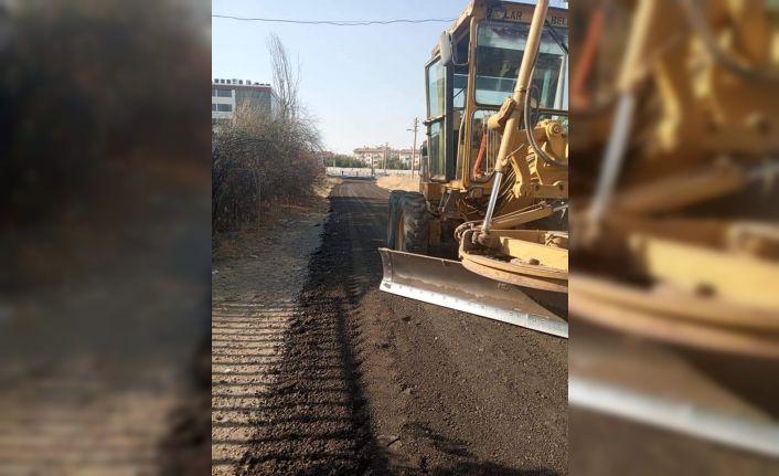 Bağlar'da yol yapım çalışmaları devam ediyor