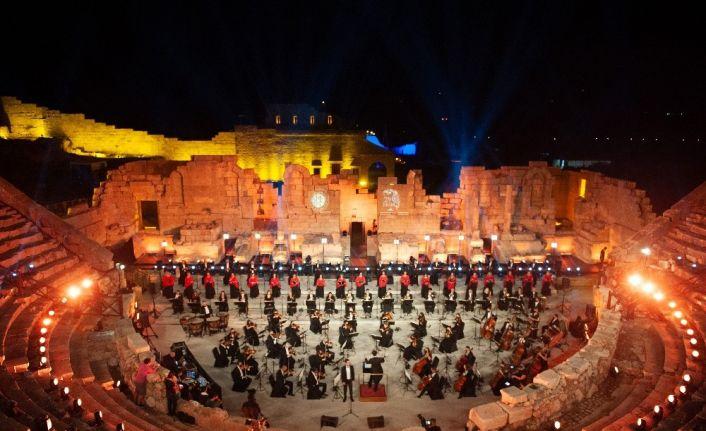 Patara'dan Galata Kulesi'ne Cumhuriyet Bayramı kutlaması