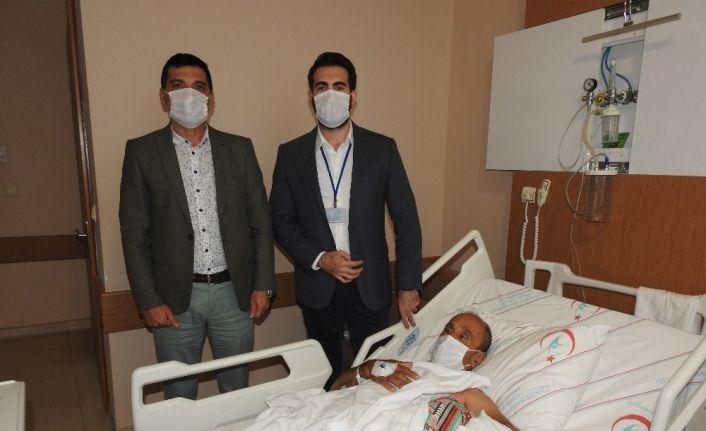 Çeşme'deki hastanede ameliyat başarısı: kopmak üzere olan kolu kurtardılar