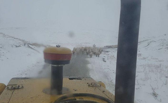 Malatya'da karla mücadeleye başladı