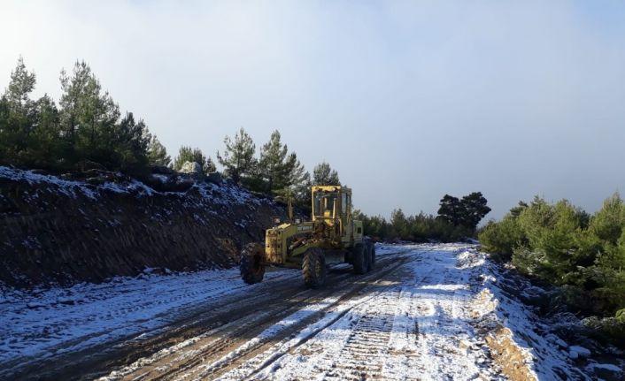 Büyükşehir Belediyesi kar yağışı ve buzlanmaya karşı hazırlıklarını yaptı