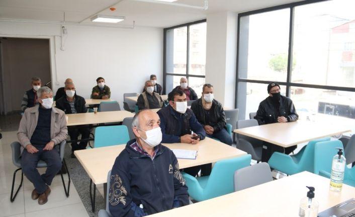 Gebze Barınma Merkezi'nde virüs salgınına karşı eğitim