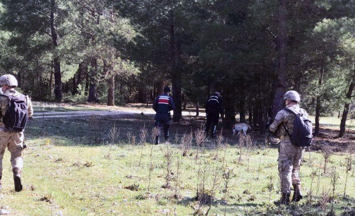 Katil zanlısı 100 komando ve drone ile aranıyor