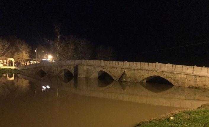 Tunca Nehri'nde su seviyesi mevsim normallerinde, taşkın riski yok