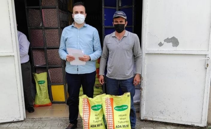 Sungurlu'da çiftçilere silajlık mısır tohumu dağıtıldı