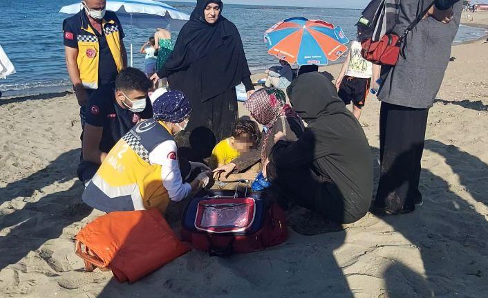 5 yaşındaki çocuk denize düşerek boğulma tehlikesi geçirdi
