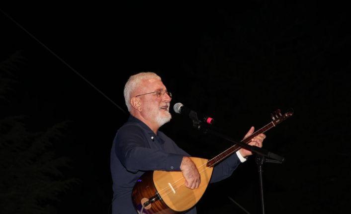 Onur Akın'dan muhteşem konser