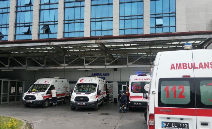 Ereğli'de patpat devrildi: 4 yaralı