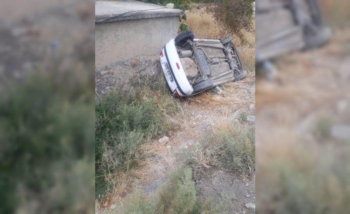 Şarampole düşen araçtan hafif yaralı kurtuldu