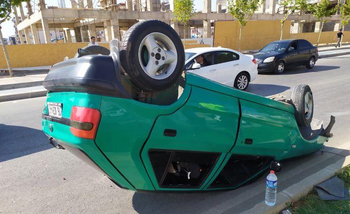 Sollama yapmak isteyen sürücü aracıyla takla attı: 4 yaralı