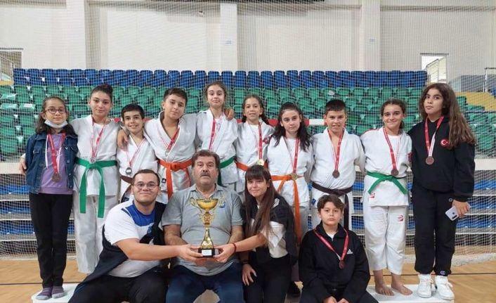 Yunusemreli judocular Kütahya'dan birincilikle döndü