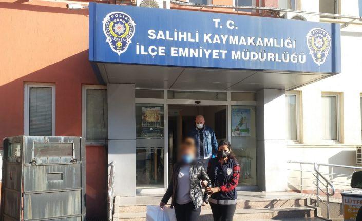 Manisa'da fuhuş operasyonunda yakalanan yabancı uyruklu kadın sınır dışı edildi