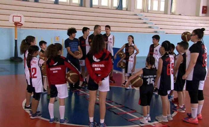 (Özel) Hasketbol Kulübü'nde 42 kardeş antrenmanlarını sürdürüyor