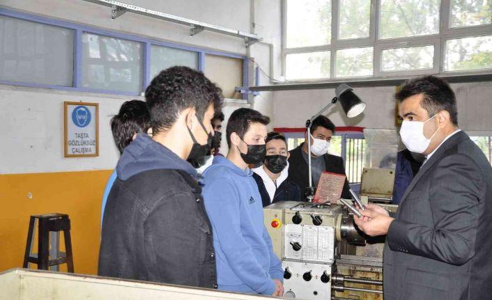 Safranbolu'da öğrenciler geleceğe güçlü hazırlanıyor
