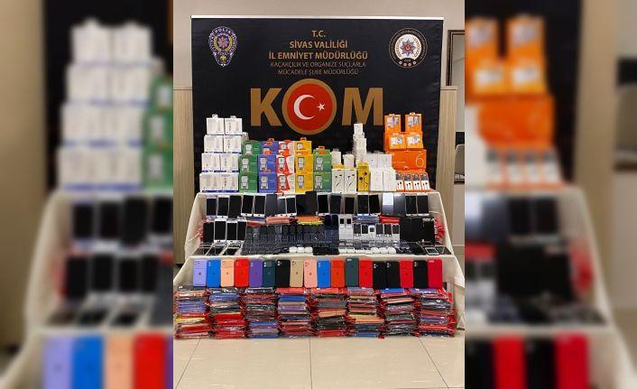 Sivas'ta yüzlerce gümrük kaçağı ürün ele geçirildi