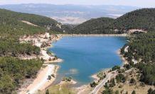 (ÖZEL) Tahtalı Göleti, mavi ve yeşilin buluştuğu manzarasıyla görenleri büyülüyor