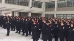 Polis okulunda garip yemin