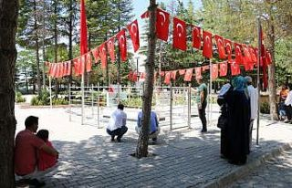 15 Temmuz yıl dönümünde Halisdemir'e ziyaretçi...