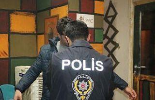 Elazığ'da huzur uygulamasında cezaevi firarisi...