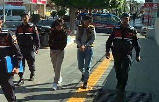 Antalya'da kendi vatandaşını darp edip cep telefonunu...