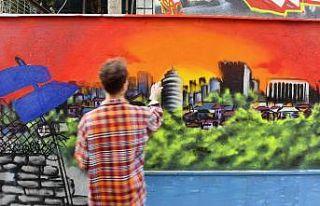 Başkent duvarları rengarenk