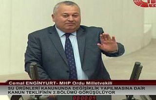 Meclis kürsüsünden Arınç'a tepki