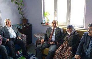 """""""Yaşlılarımızı ziyaret ederek devletimizle..."""