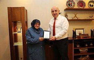 82 yaşındaki Kadriye teyze, 2 yılda 30 tekerlekli...