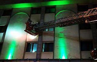 Van'da bir otelin 3. katında yangın çıktı