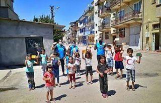 Elazığ'da çocuklar sevindirildi
