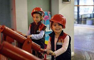 Çocuklar Ülkesi, kız çocuklarının özgüvenini...