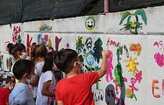 Çocuklardan İzmit'in duvarlarına renkli dokunuşlar
