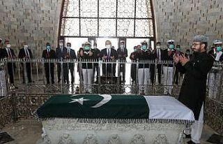 Bakan Çavuşoğlu, Pakistan'ın kurucu lideri Cinnah'ın...