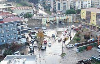İzmir'deki selin boyutu gün ağarınca ortaya...