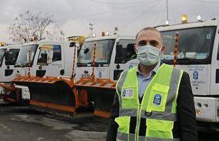 Kar yağışı İstanbul'a giriş yaptı, ekipler...