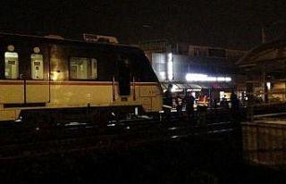 Raylardan yolun karşısına geçmek isterken trenin...