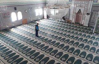 Pursaklar'da camiler Ramazan ayına hazırlanıyor