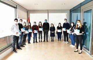 Çiğli'de eczacılık eğitimini tamamlayan 75...
