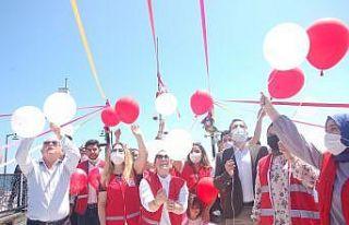 153. yıl kırmızı-beyaz balonlara kutlandı