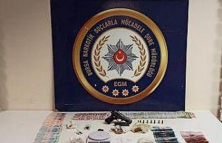 Bursa'da uyuşturucu operasyonundan tutuklanan 7...